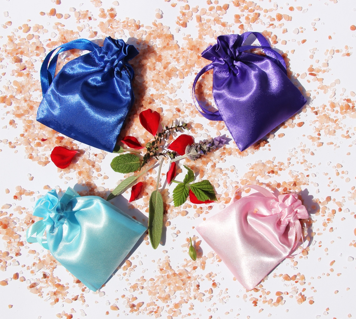 4 Coloured Pouches