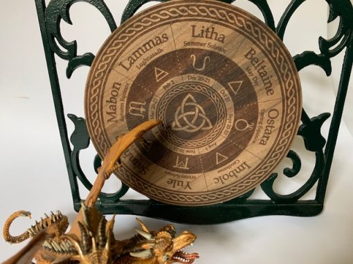 walmut Triquetra Wheel of the year. Sthn Hemisphere 19cm Walnut