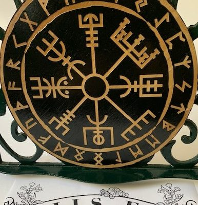 Vegvisir Black Viking Compass
